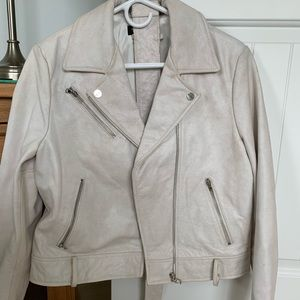 Kenneth Cole white leather jacket with belt